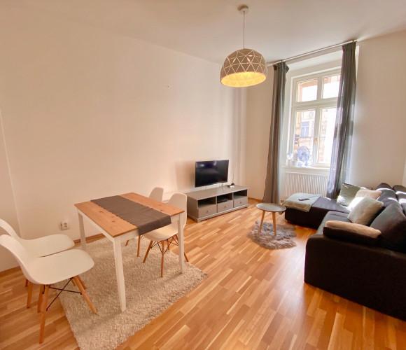 Pronájem bytu 2+kk, 55 m2 - Vltavská, Praha 5