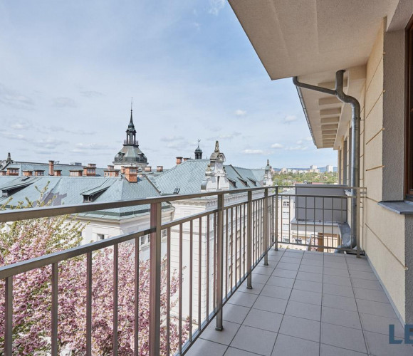 For sale flat 6 and more, 337 m2 - Svahová, Carlsbad