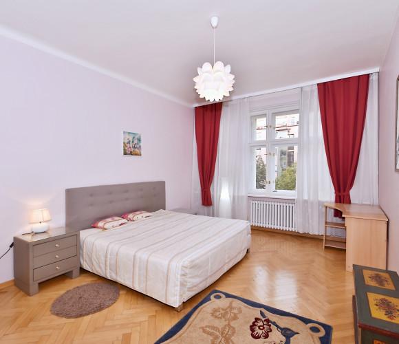 Rent flat 4+kk, 150 m2 - Kolínská, Prague 3