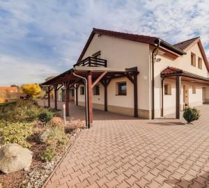 Prodej domu  650 m2 - Nad Lesem, Turkovice