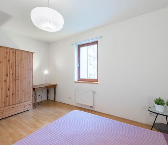 Pronajem bytu  93 m2 - Jeseniova 8