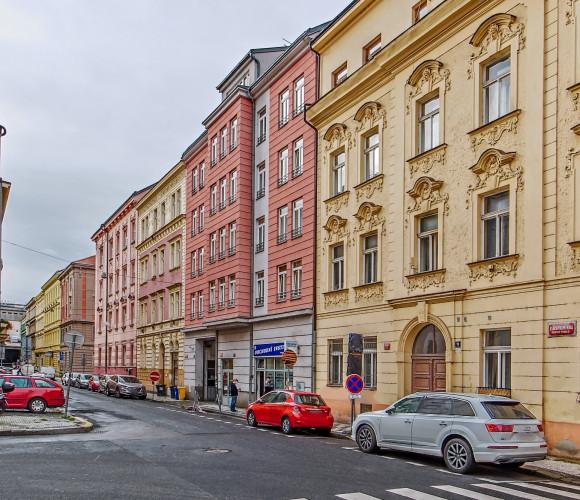 Pronájem bytu 2+kk, 78 m2 - Staropramenná, Praha 5