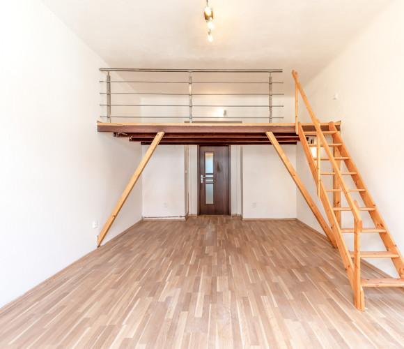 Pronájem bytu 3+1, 96 m2 - Kolínská, Praha 3