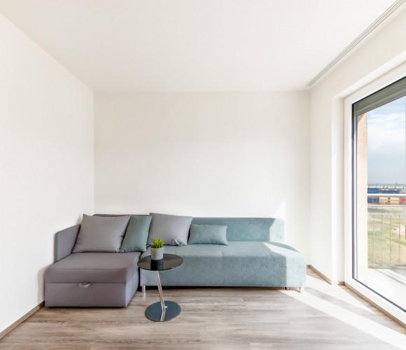 Pronájem bytu 1+kk, 38 m2 - Mantovská, Javorová čtvrť II., Praha 10
