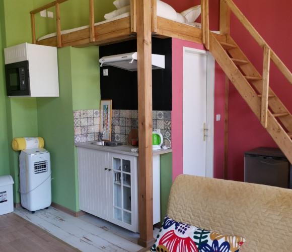 Rent flat 1+kk, 10 m2 - Vítkova, Prague 8