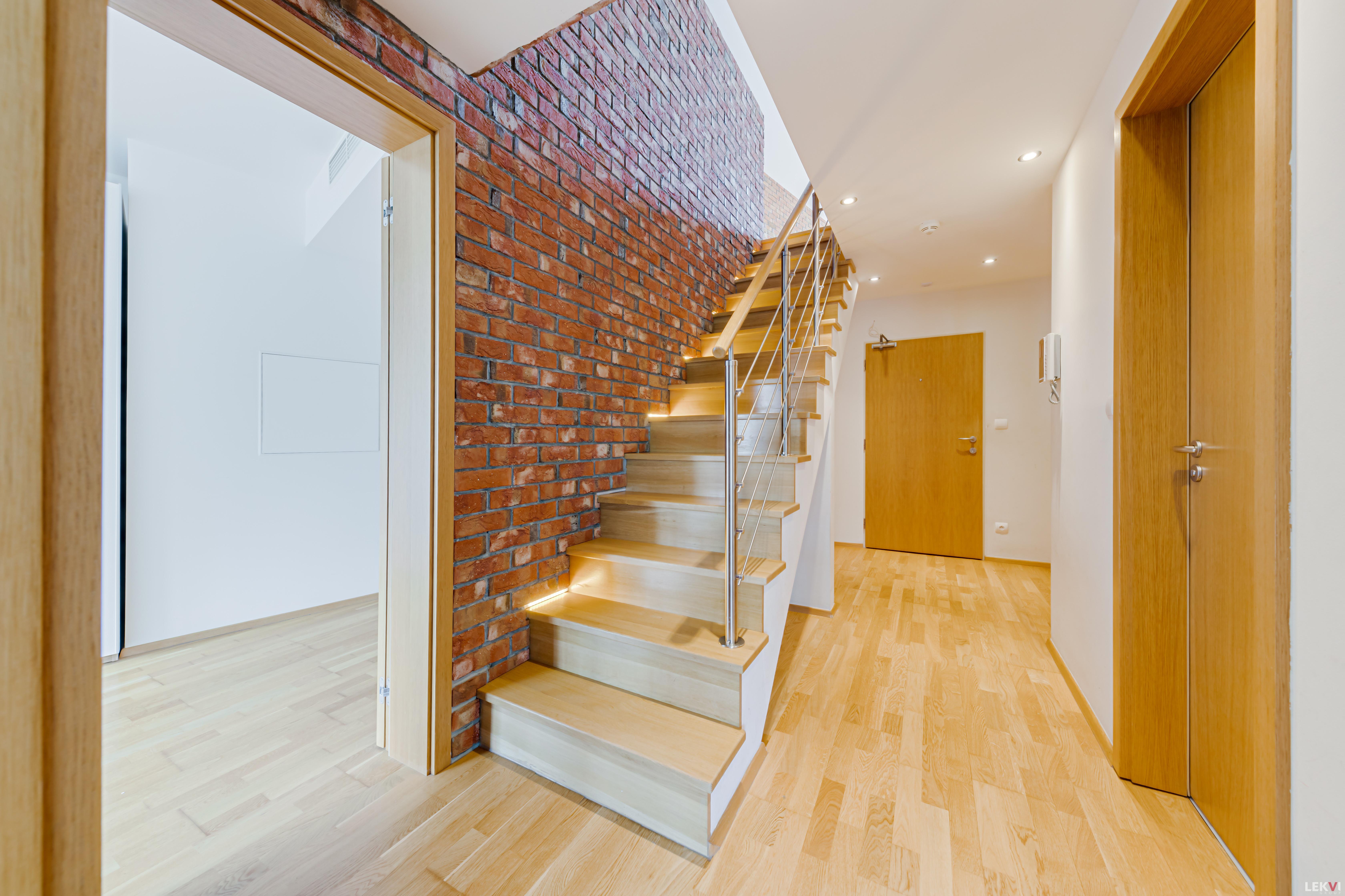 For sale flat 4+kk, 141 m2 - Pitterova, Prague 3